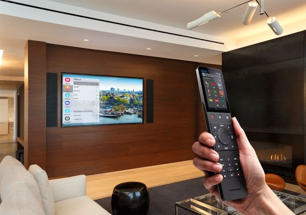 Crestron Pyng control for smart home system